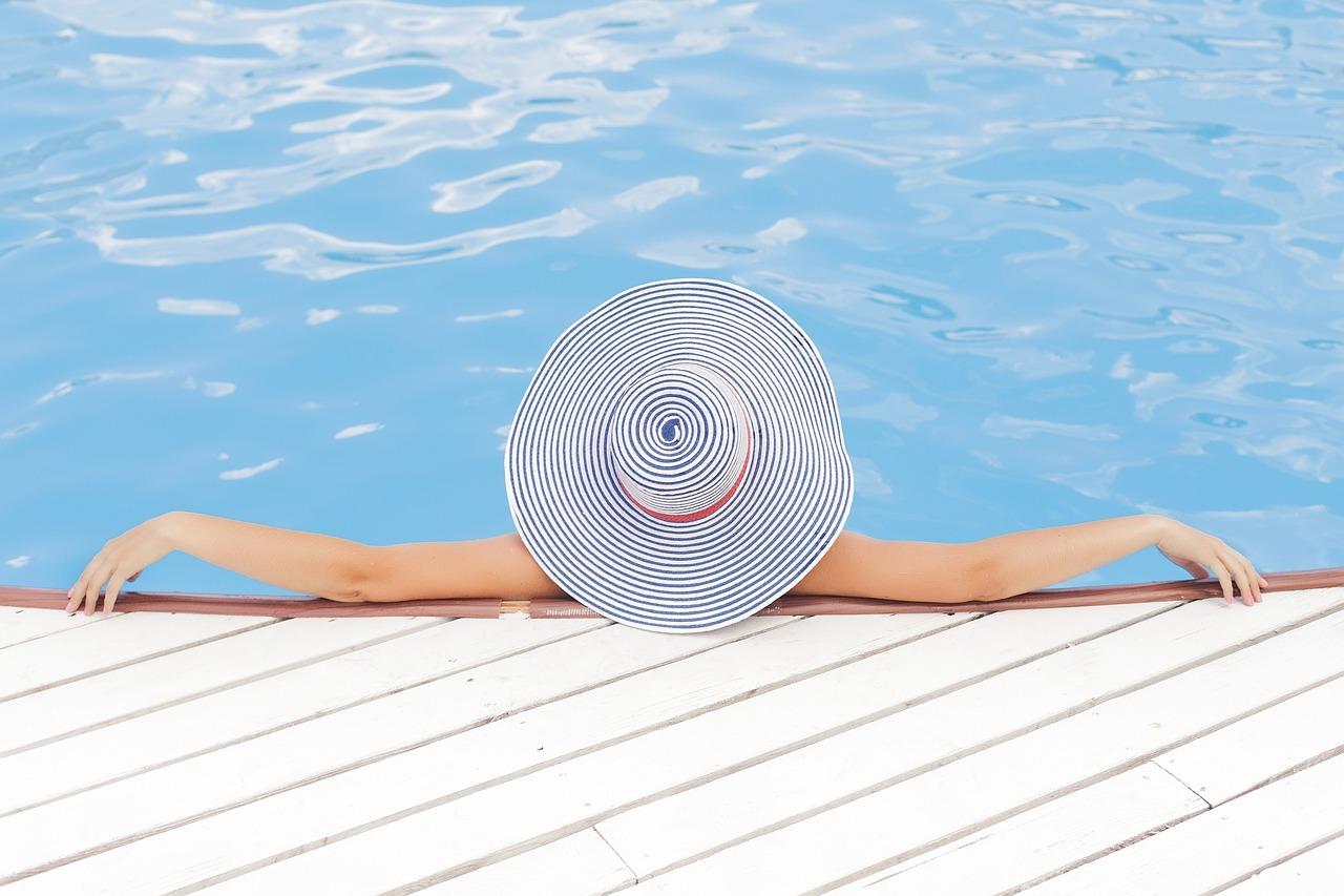 Máte bazén? Nezapomeňte na jeho správné obložení