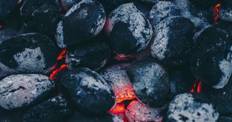 Pytlované uhlí: Efektivní palivo, které vám ušetří peníze