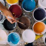 Pusťte se konečně do díla – levné barvy laky vám umožní tvořit i rekonstruovat levněji
