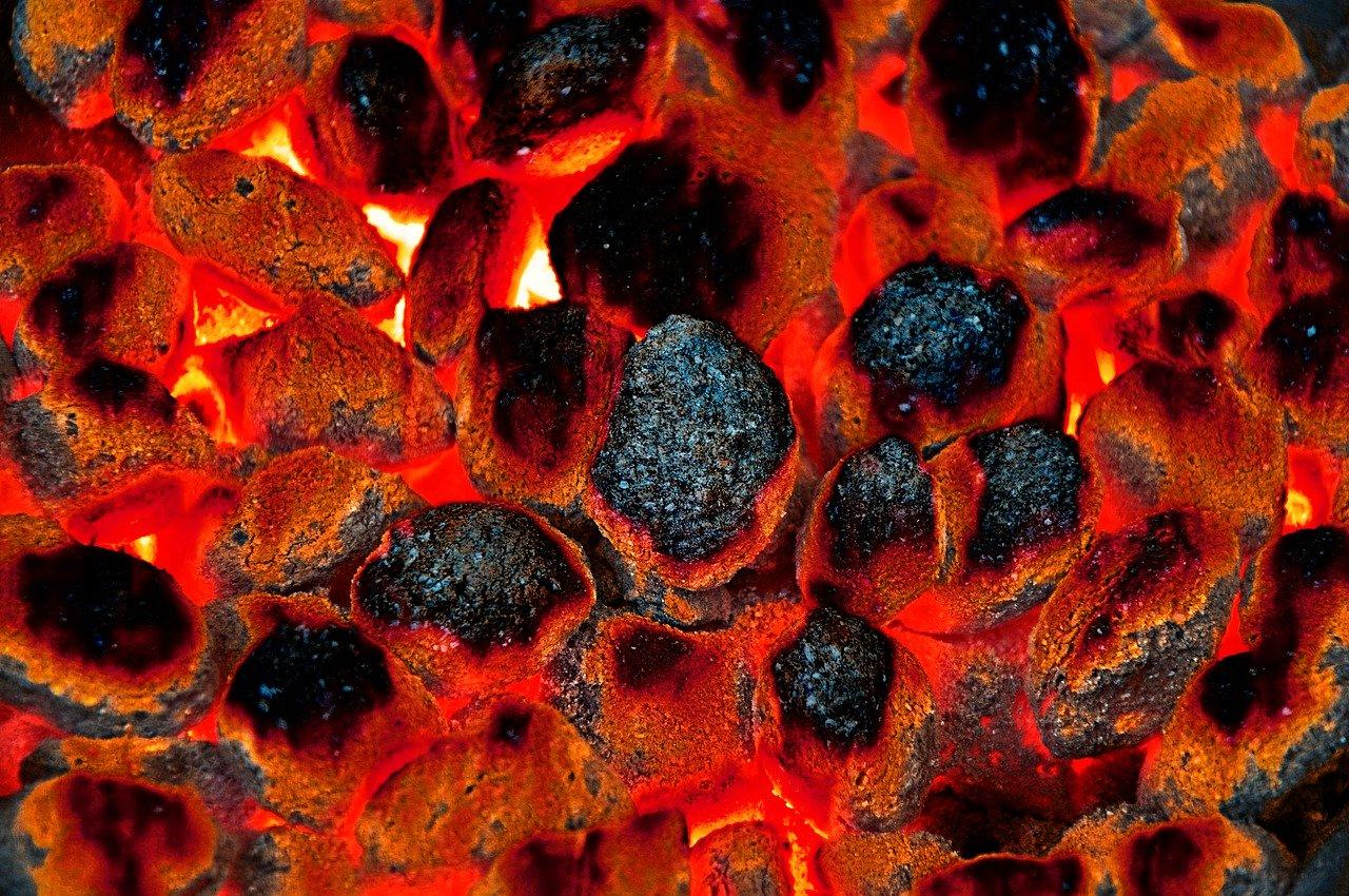 Uhelné brikety zatopí čistě a bezpracně